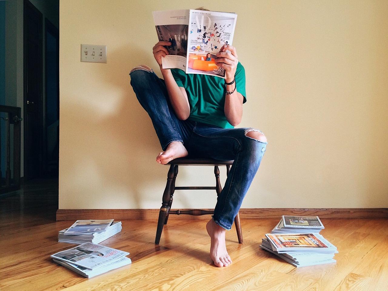 расходует сидит на лице и читает журнал размещений больше доход
